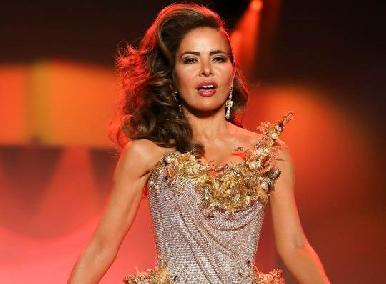 Destrozan a Gloria Trevi por su pasarela en la Fashion Week